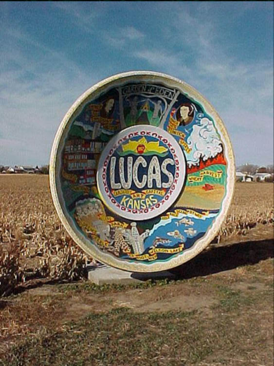 World's Largest Souvenir Travel Plate