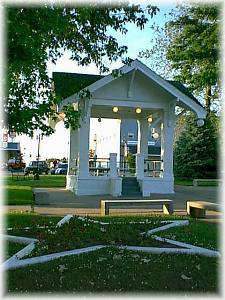 Historic Downtown Square & Bandstand