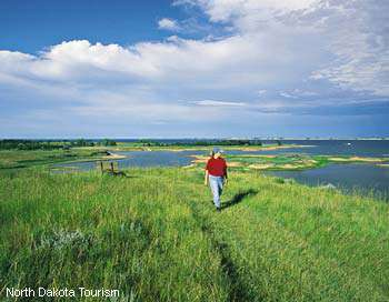 Lake Sakakawea Trails