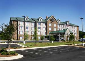 Country Inn & Suites - EastChase